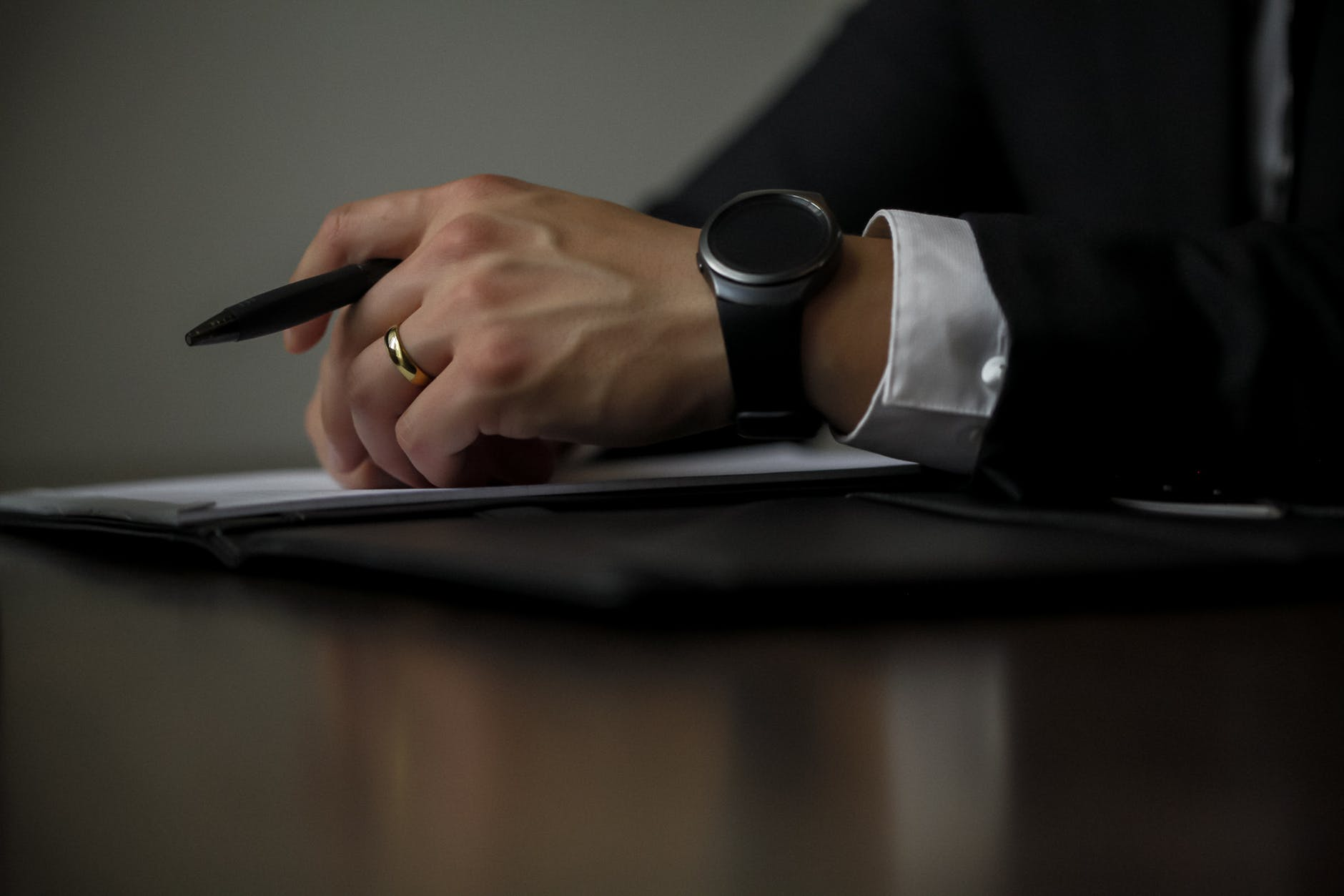 Experience business man preparing to write on his notes on a table postImage - 3 Tips on Doing Business with A Cricket Agent