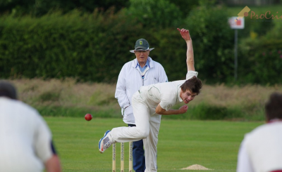 3 Reasons Why it is Important to Scout Cricket Players for Sports Betting team player doing his best to trow the ball to his opponent PostImage 400x245 - 3 Reasons Why it is Important to Scout Cricket Players for Sports Betting